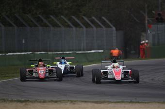 Sennan Fielding (Euronova Racing by Fortec Italia Motorsport, Tatuus F.4 T014 Abarth #85), Brandon Maisano (Prema Powerteam Srl,Tatuus F.4 T014 Abarth #81),, ITALIAN F.4 CHAMPIONSHIP POWERED BY ABARTH