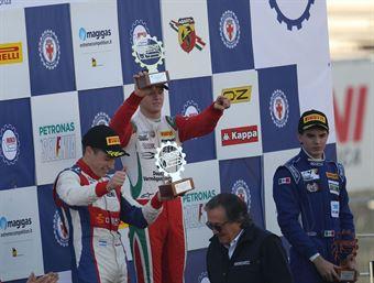 Podio gara 1, Mick Schumacher (Prema Power Team,Tatuus F.4 T014 Abarth #5), Marcos Siebert (Jenzer Motorsport,Tatuus F.4 T014 Abarth #18), guzaman       , ITALIAN F.4 CHAMPIONSHIP POWERED BY ABARTH