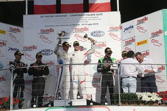 Podio gara 1, Comandini Krohn (BMW Padova Team,BMW M5 GT3 #15), Venturini Postiglione (Imperiale Racing,Lamborghini Huracan GT3 #16), Fontana Mancinelli ( Easy Race, Ferrari 488 GT3 #3) , CAMPIONATO ITALIANO GRAN TURISMO