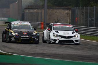 Andrea Argenti ( South Italy RT,Opel astra TCR #2), Francesco Savoia (GretaRacing MS,Seat Leon TCR #26) , TCR ITALY TOURING CAR CHAMPIONSHIP