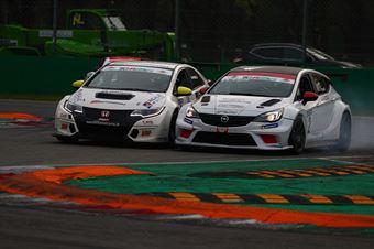 Andrea Argenti (South Italy RT,Opel Astra TCR #2) Davide Nardilli (MM Motorsport,Honda Civic TCR #9), TCR ITALY TOURING CAR CHAMPIONSHIP