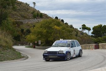 Giuseppe Maugeri ( Giarre Corse , Renault 5 GTT #82), CAMPIONATO ITALIANO VELOCITÀ MONTAGNA