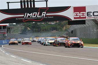 Start, TCR ITALY TOURING CAR CHAMPIONSHIP